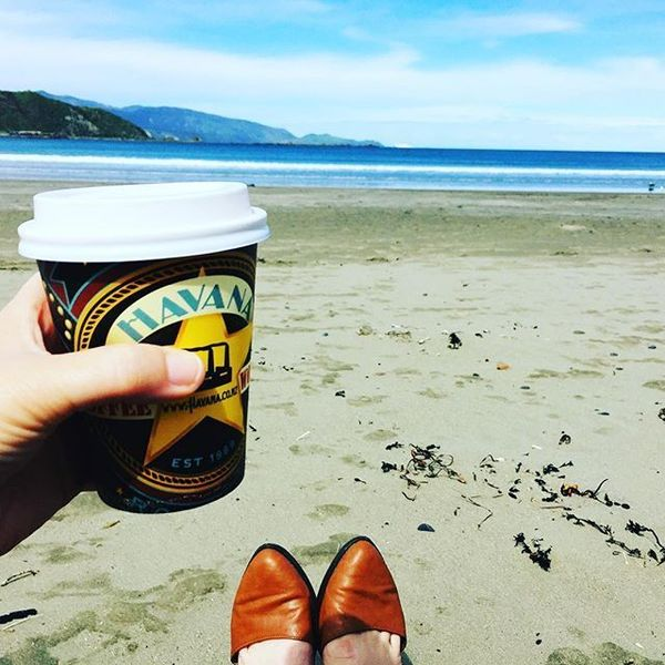 COFFEEUFEEL - Same day, different story. Now at the beach enjoying some more time to myself. Thanks davidmcintosh26 💕 #beach #takeabreak #coffee #coffeetime...